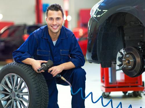 Imagen relacionada a la promoción Mantenimiento para tu Auto al 0%